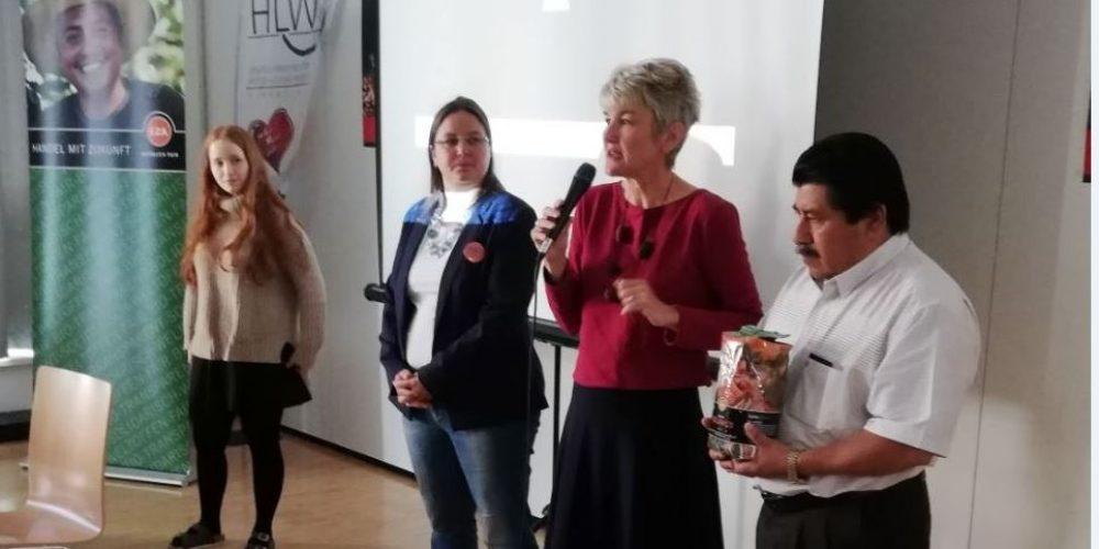 Mexikanischer Kaffeeproduzent besucht Fairtrade-Schule HLW Pinkafeld