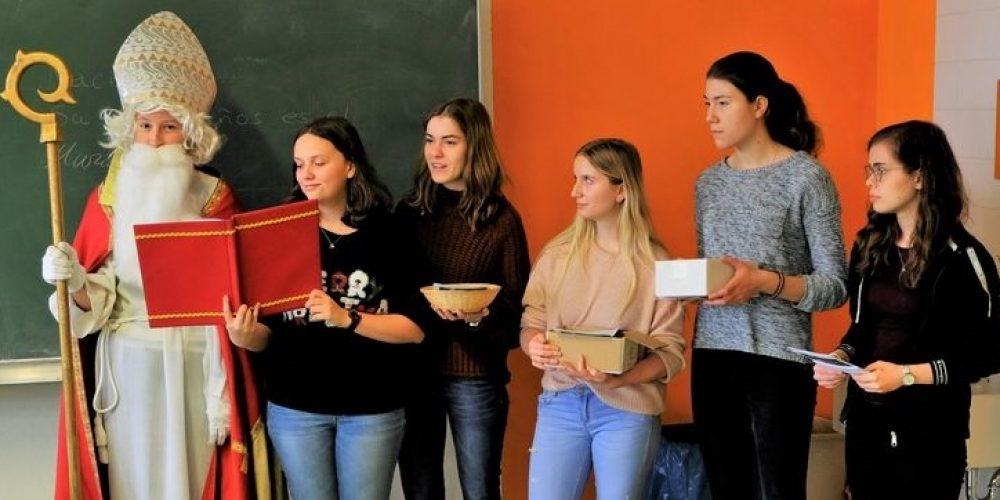 """Schülerinnen des Teams """"fair@landwied"""" engagieren sich für die Katastrophenhilfe in Mosambik"""